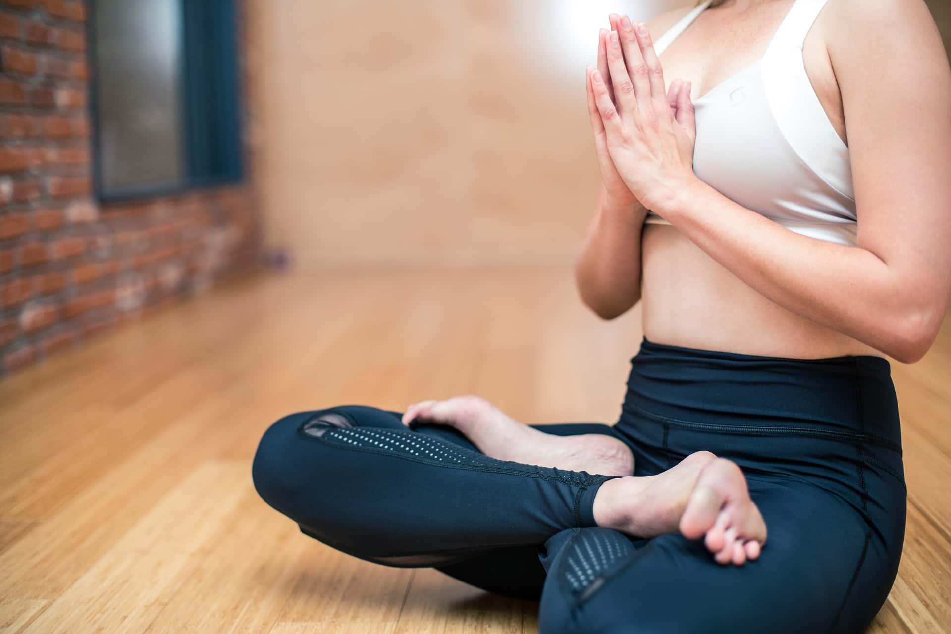 yoga-3053488_1920-1.jpg
